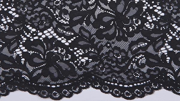encaje de nylon negro